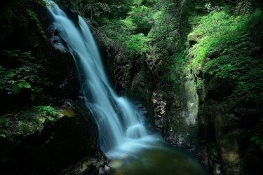 雲見の滝(島根県) ~龍の伝説が残る雲南市の名瀑~